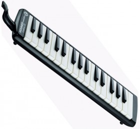 Hohner Student 32-Key Melodica in Black