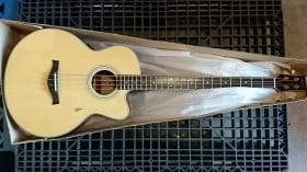 Hofner Acoustic Steel String Bass, With Pickup/Cutaway, Solid Spruce Top With Rosewood Back And Sides