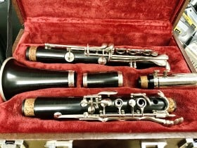 Buffet E11 Clairnet #1159323 Great playable condition Regularly serviced per-loved with hard case